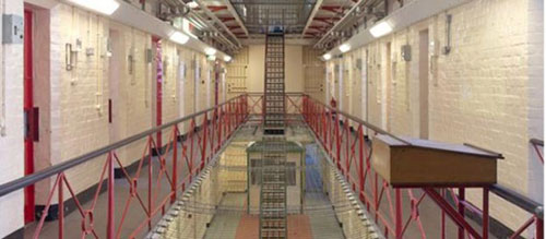 reading-prison-art
